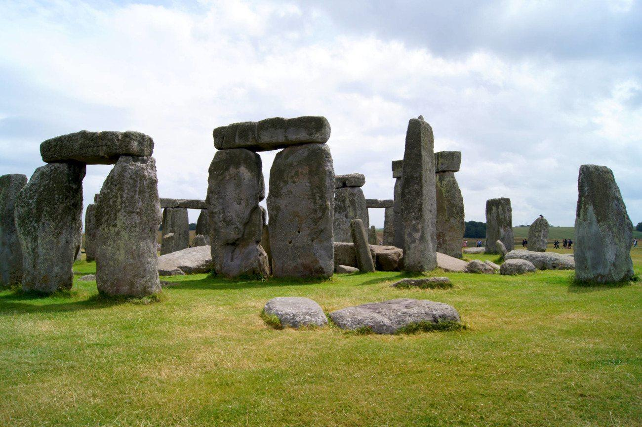 Beautifully Travelled - An Epic Year in review - June 2015 Stonehenge