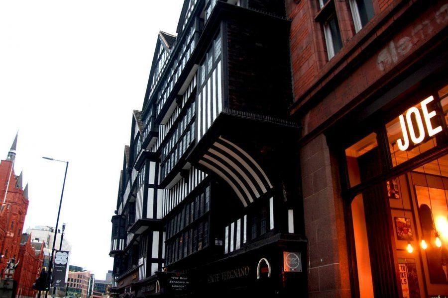 On the Trail of Charles Dickens - A Self-Guided Tour with GPSMYCITY through London - staple inn