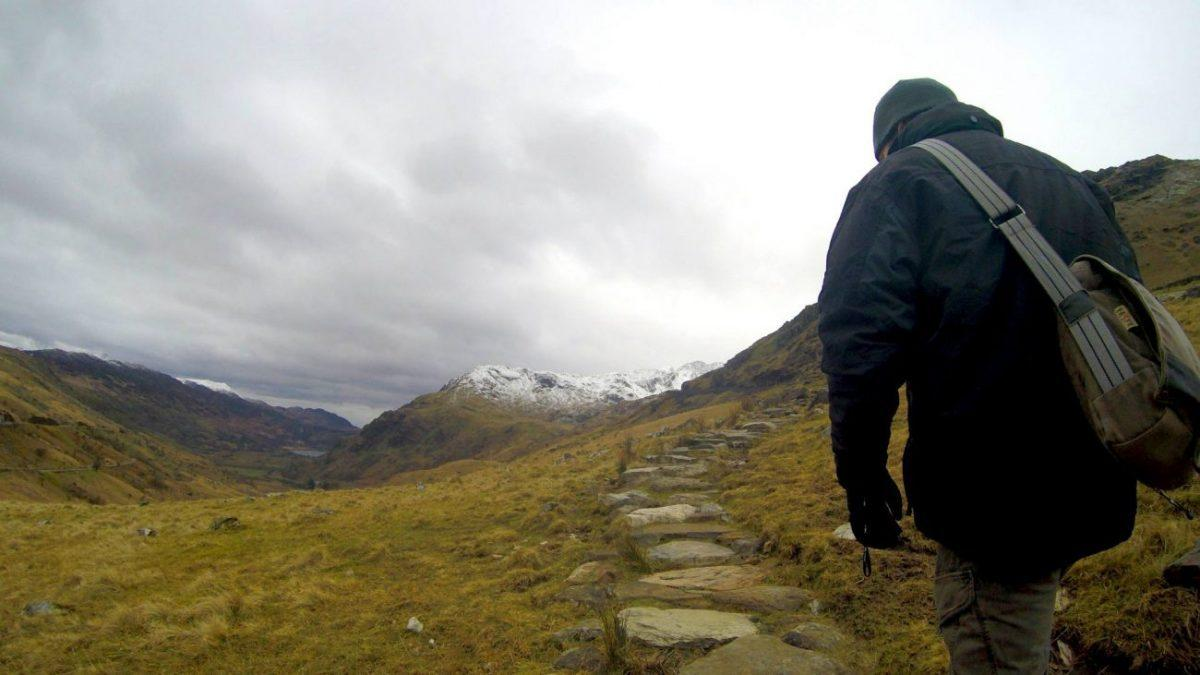 how to spend an epic adventurous weekend in snowdonia climbing snowdon