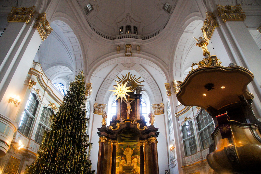 The perfect Christmas Weekend Getaway 48 Hours in Hamburg Germany At michaels 2
