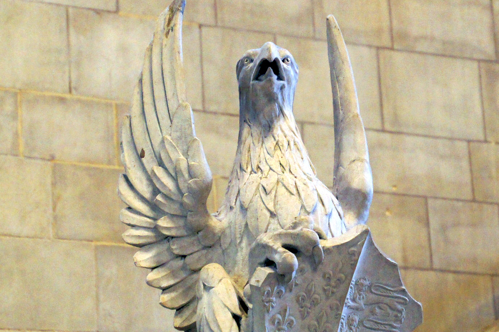 eagle statue in westminster hall in houses of parliament in london
