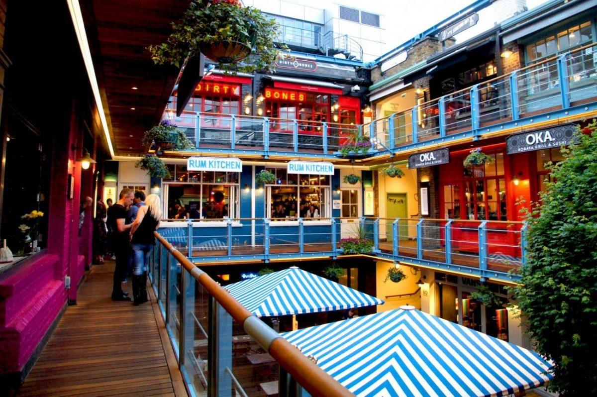 Inner courtyard of kingly court in london