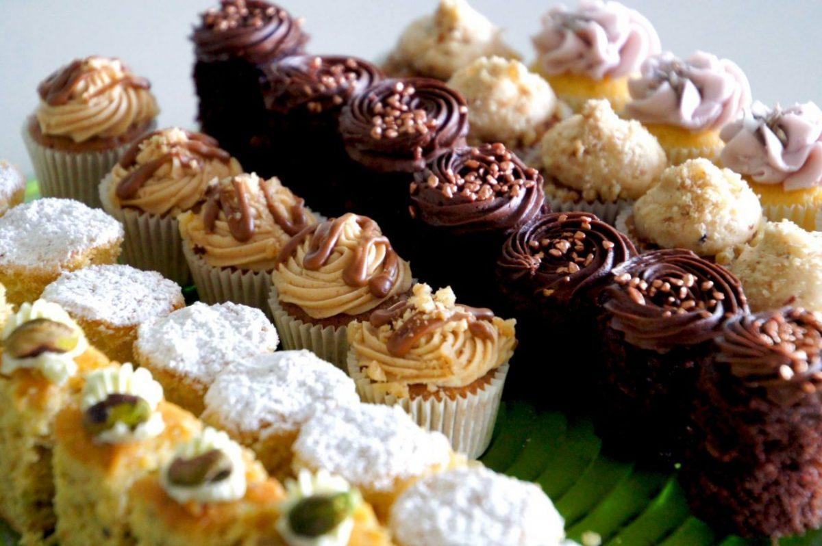 mini cupcakes in the Fred Winter Suite of the Newbury Racecourse main field on al shaquab lockinge day